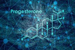 Niedriges Progesteron: Komplikationen, Ursachen und mehr